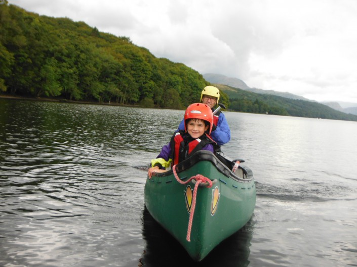 family canoeing in the Lake District